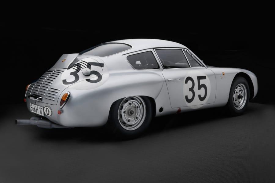 O novo Carrera de carroceria italiana não foi apenas mais rápido do que o original alemão, mas também um dos mais belos carros de Stuttgart