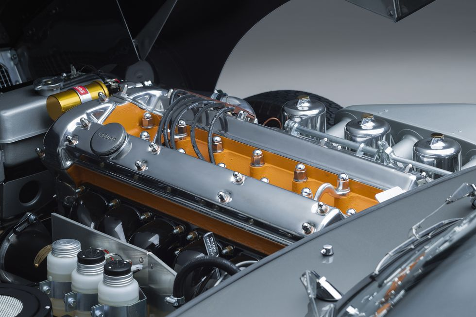 Motor XK de 3,8 litros de seis cilindros em linha